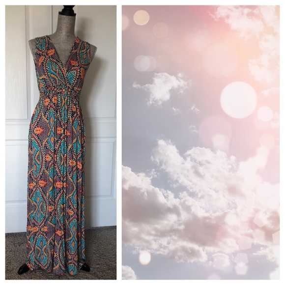 Cable & Gauge Dresses & Skirts - Cable & Gauge Colorful Maxi Dress